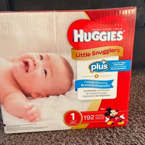 Diapers-HUGGIES size 1(up to 14 Lbs) for Sale in Long Beach, CA