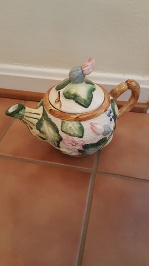 Beautiful Vintage Handpainted Pitcher/Teapot for Sale in Roselle, IL