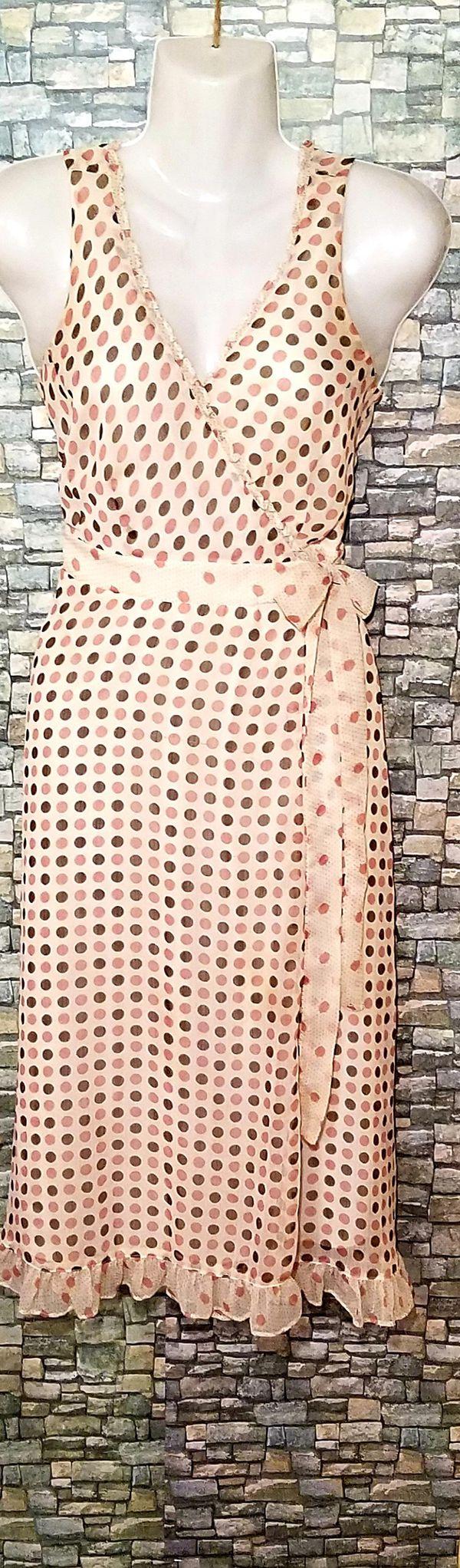 Women's mid-length sleeveless summer dresses