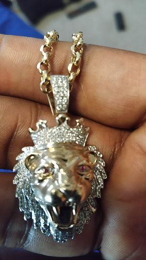 10k Gold diamond lion head pendent chain for Sale in Washington, DC