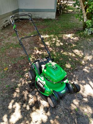 Lanw boy mower in great condition like new for Sale in Lockhart, FL