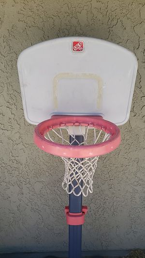 FREE Kids basketball Hoops for Sale in Moreno Valley, CA