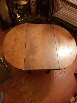 Antique small table for Sale in Forest Heights, MD