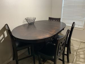 Kitchen table 4 chairs for Sale in Edinburg, TX