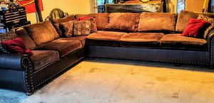 Brown sectional couch 9x12 for Sale in Santa Fe Springs, CA