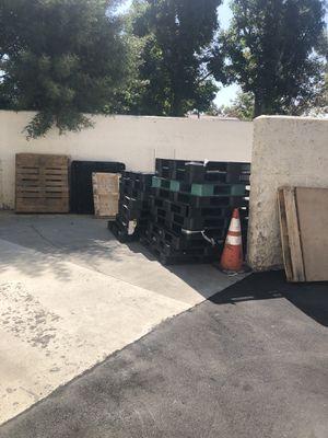 Free (Buena Park) Beach Blvd and Cascade for Sale in Anaheim, CA