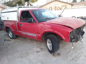 2003 gmc Sonoma parts for Sale in undefined