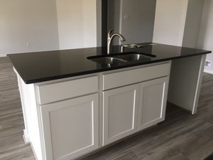 Kitchen cabinet for Sale in Houston, TX