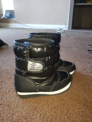 Habi bear snow boots for Sale in Long Beach, CA