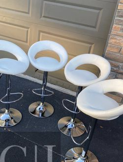Brand New! $60 Each 4 White Bar Stools for Sale in Orlando,  FL
