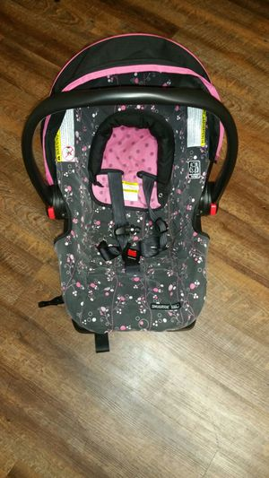 SnugRide Click Connect 22 Infant Car Seat for Sale in Paducah, KY