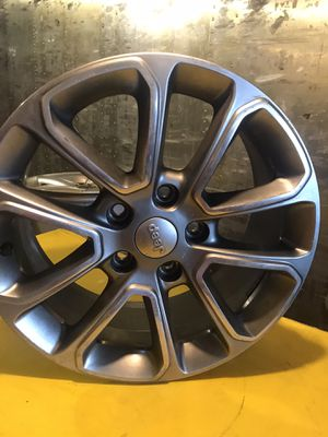 """Jeep Grand Cherokee wheel 18"""" hyper silver polished top 2014-2016 for Sale in Commack, NY"""