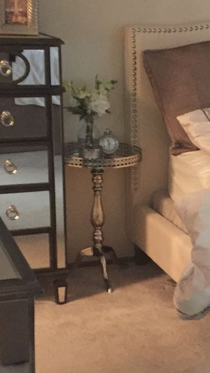 Side accent table for Sale in Daly City, CA