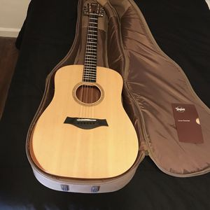 Taylor Guitar for Sale in San Diego, CA