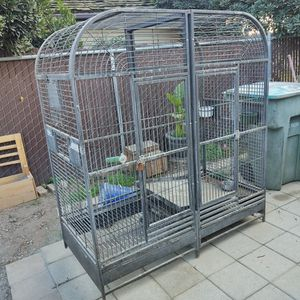 Large Double Sided Parrot Cage for Sale in Sanger, CA