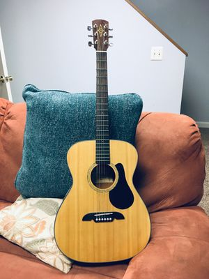 Acoustic guitar, hard case, and stand for Sale in Fairfax, VA