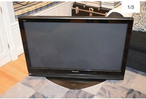 42 inch Panasonic Plasma Flat Screen TV for Sale in Lakewood, CA