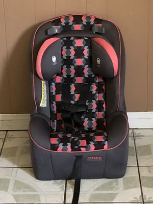 PRACTICALLY NEW COSCO CONVERTIBLE CAR SEAT for Sale in Riverside, CA