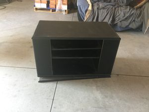 Wood swivel tv/entertainment stand for Sale in Grifton, NC