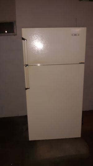 Gibson refrigerator for Sale in Amherst, VA