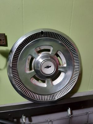 "Vintage 15"" chevy Hubcap for Sale in Appomattox, VA"