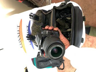 Nikon D5000 W/ Lenses & Accessories for Sale in Los Angeles,  CA