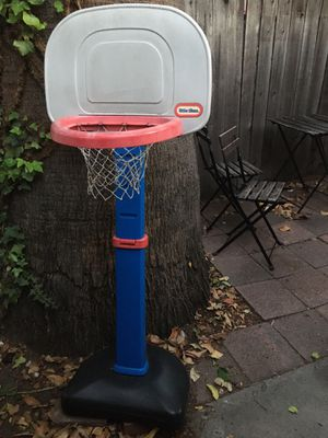 Little Tikes Basketball Hoop for Sale in Fullerton, CA
