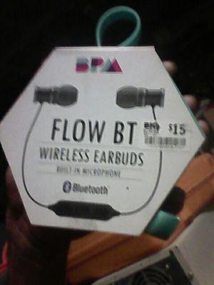 Flow BT wireless earbuds w/ built in mic. for Sale in Fontana, CA