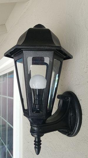 Light. Outside for Sale in Sacramento, CA