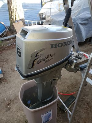 Honda 8 hp outboard, low hours. Runs great super clean. Priced to sell!! $800 for Sale in Seattle, WA