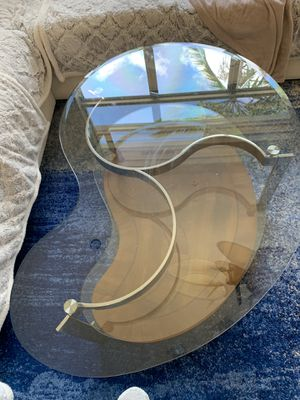 Living room coffee table for Sale in Fort Lauderdale, FL