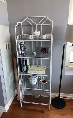 Metal and glass shelving unit for Sale in Chicago, IL