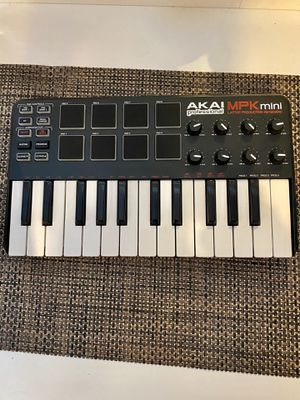 AKAI MPK mini Laptop Production Keyboard for Sale in Hanover Park, IL