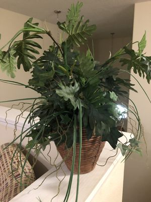 Faux house plant for Sale in Ruskin, FL