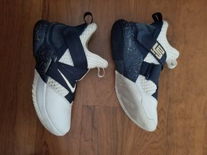 Nike Lebron soldier 12 mens shoes size 7.5 for Sale in Columbia, MD