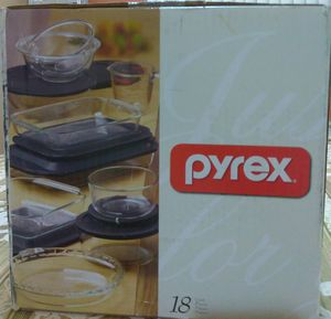 18 piece PYREX glass containers for Sale in Miami, FL