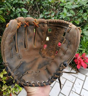 WILSON WELL BROKEN IN LEFTHAND THROW BASEBALL GLOVE 12 INCH ALL COWHIDE READY TO WORK! for Sale in Boca Raton, FL