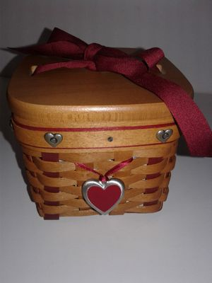 LONGABERGER 2002 SMALL SWEETEST GIFT SWEETHEART BASKET SET for Sale in Manteca, CA