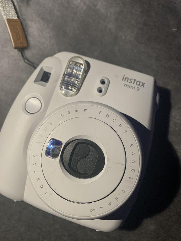 POLAROID camera mini 9 white