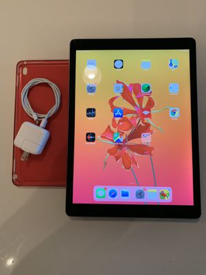 iPad Pro 12.9 inch - bundle - 128GB for Sale in Fort Lauderdale, FL