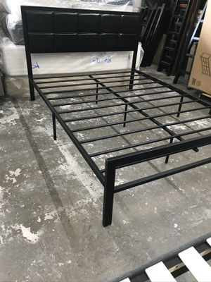 Black Queen Size Metal Frame Bed for Sale in Hawthorne, CA