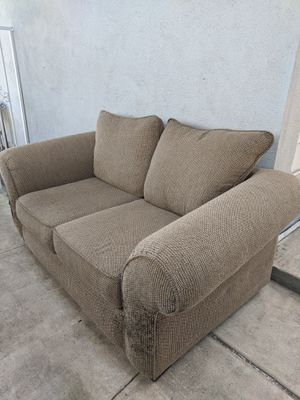 Couch Free for Sale in Anaheim, CA