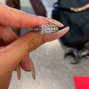 14K White Gold Diamond Ring! (Layaway-130$ Down) for Sale in Houston, TX