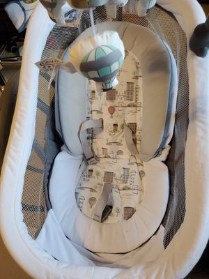 Graco DreamGliding Baby Swing & Sleeper for Sale in Etna, OH