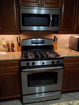 Complete kitchen setup refrigerator, stove, microwave, dishwasher for Sale in Jacksonville, FL