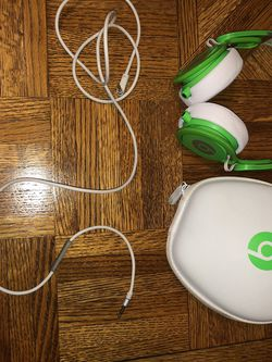 Beats For Sale Asking 100obo for Sale in Warrenville,  IL