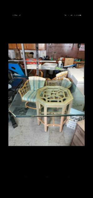 Table and chairs x4 for Sale in Chesapeake, VA