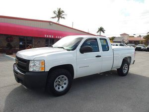 2012 Chevy Silverado 1500 4x4 extended cab pickup truck 4WD for Sale in West Palm Beach, FL