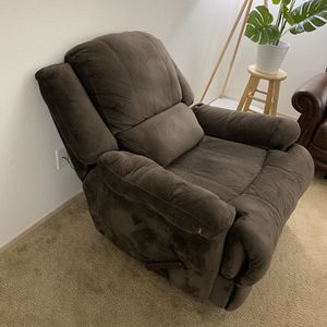Microfiber Recliner Chair With USB Port and 120V Outlets for Sale in Vancouver, WA