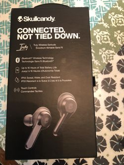Skullcandy Connected Not Tied Down wireless headphones for Sale in Houston,  TX